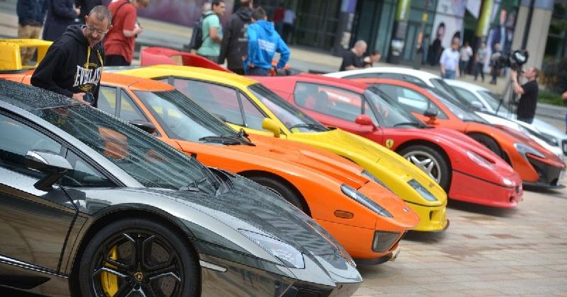 السيارات الخارقة