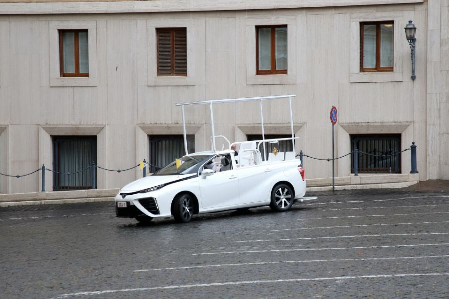 اسطول سيارات بابا الفاتيكان