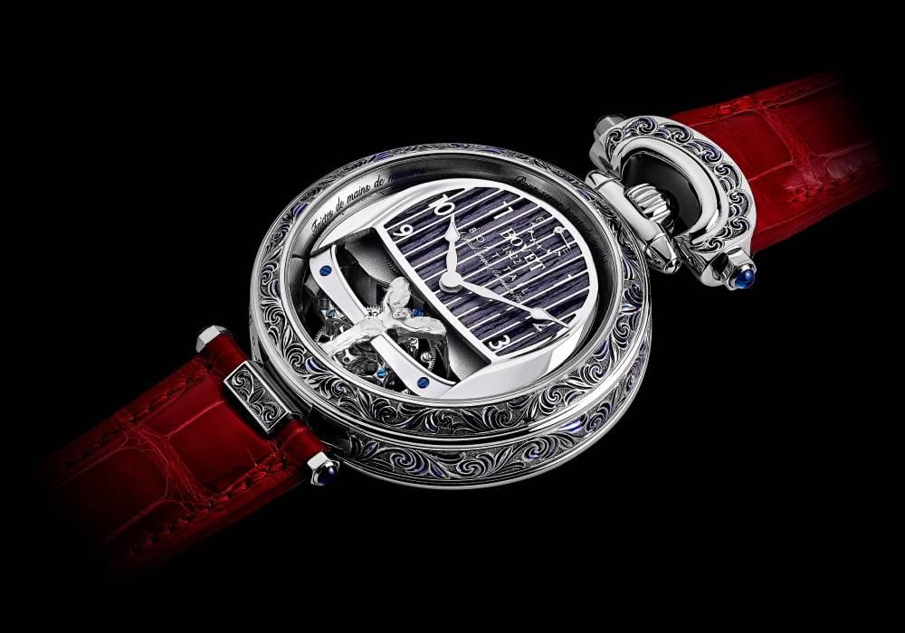 ساعة في غاية الروعة من بوفية 1822 تنمزج بفخامة رولز رويس بوت تايل الرائعة صورة 3