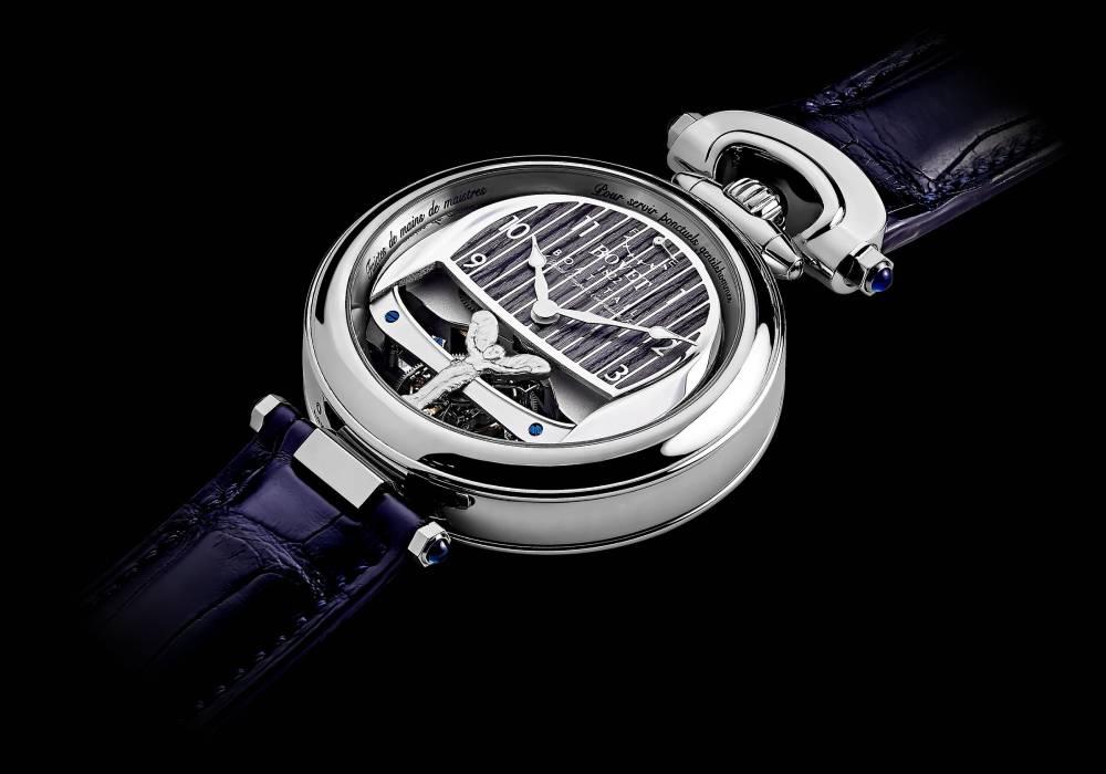 ساعة في غاية الروعة من بوفية 1822 تنمزج بفخامة رولز رويس بوت تايل الرائعة صورة 5