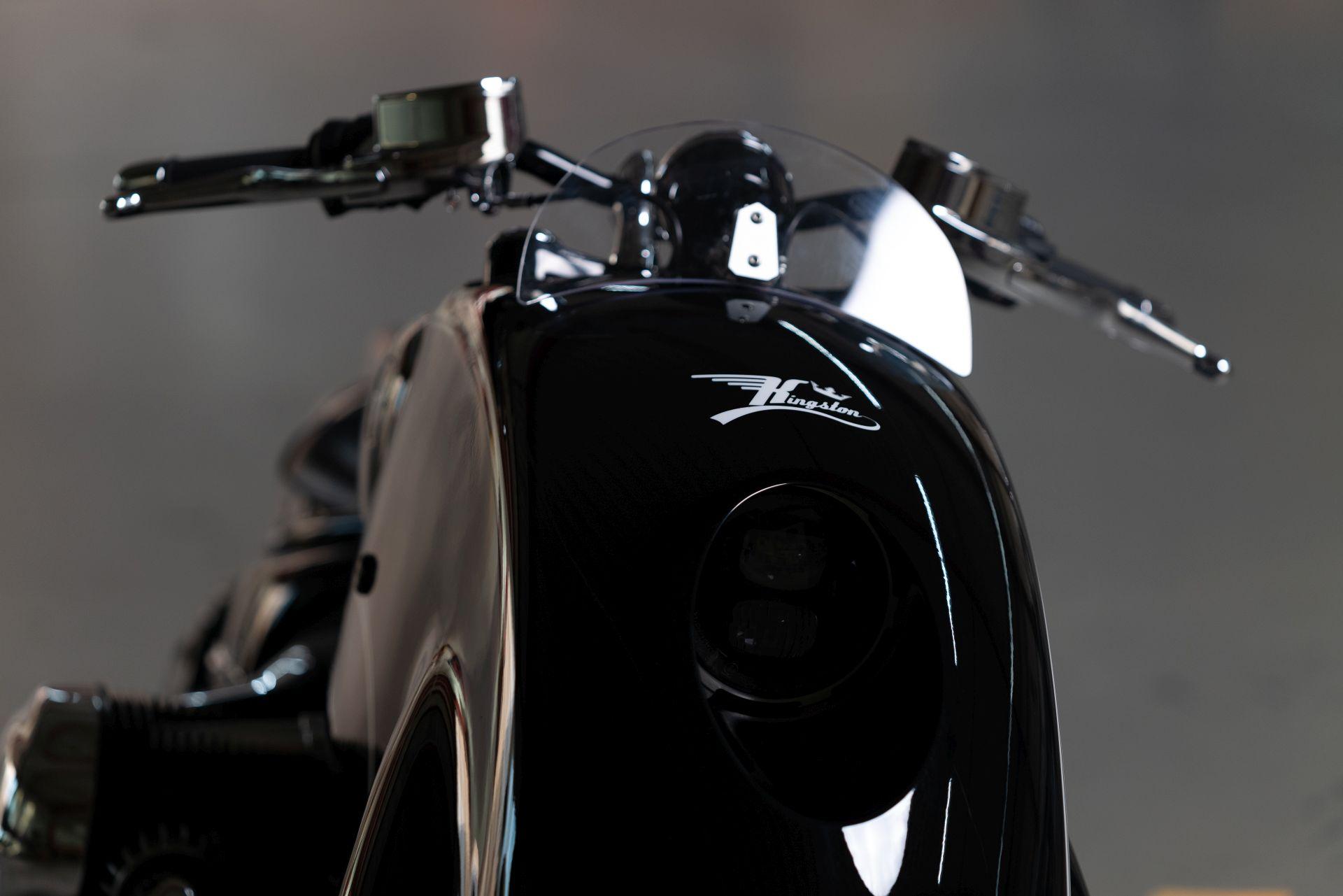 دراجة R18
