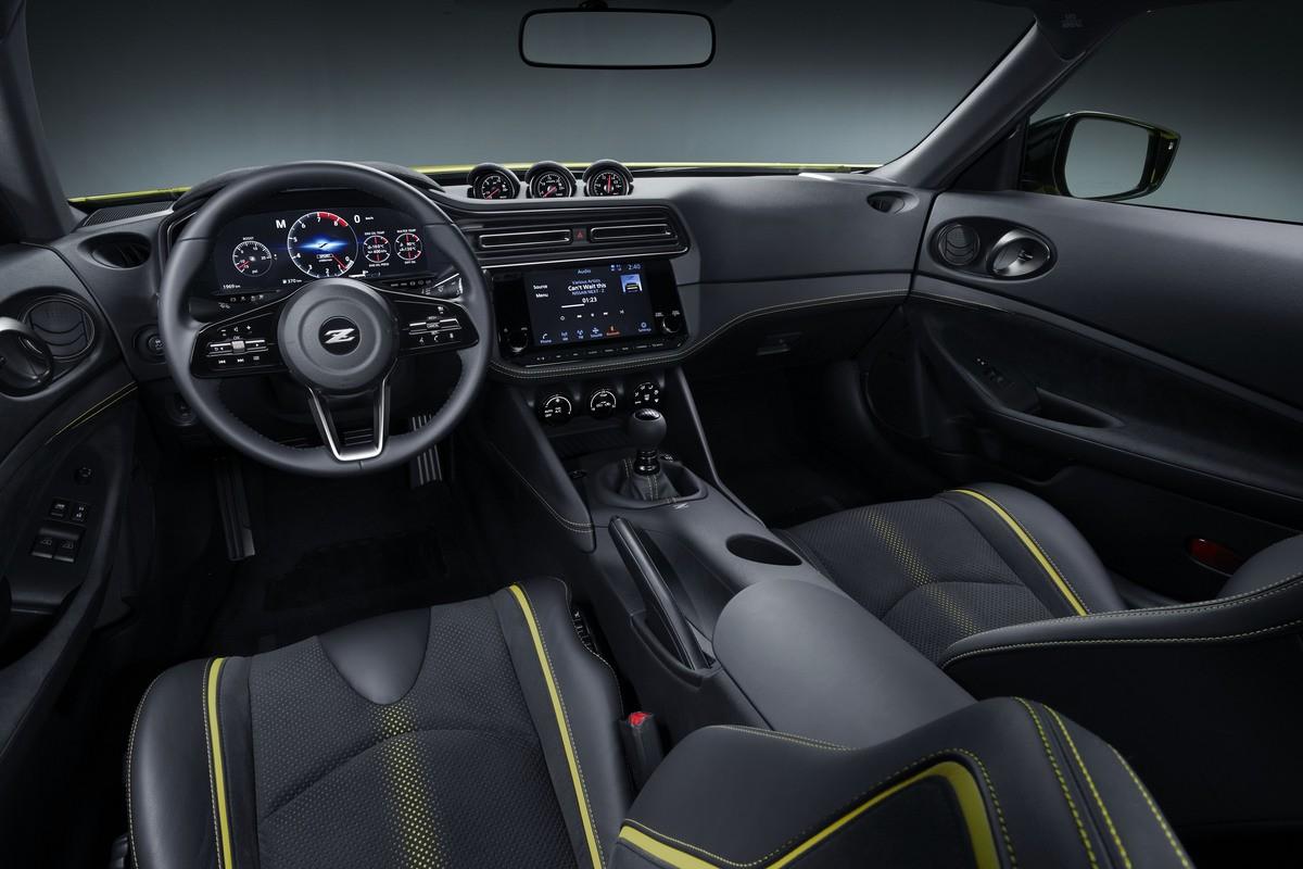 Nissan Z400