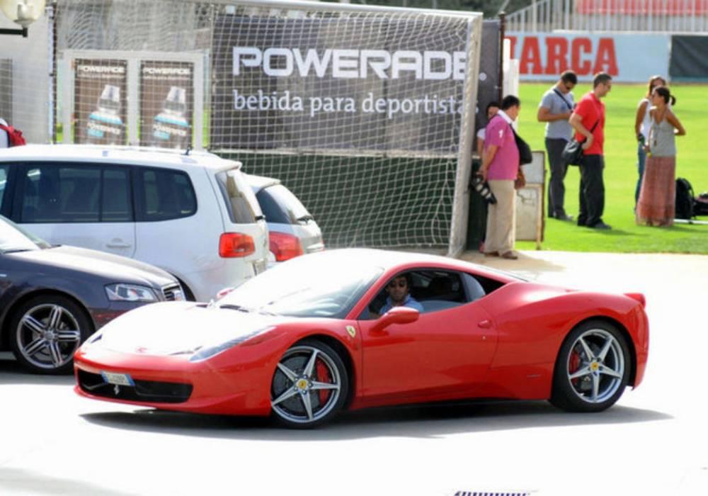قصة معقدة بين أردا توران والسيارات صورة 2
