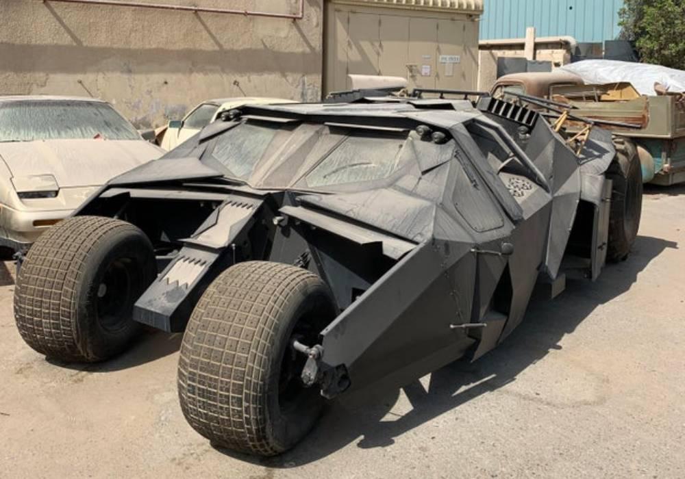هكذا اصبح حال سيارة باتمان التي يملكها كريستوفر نولان صورة 1
