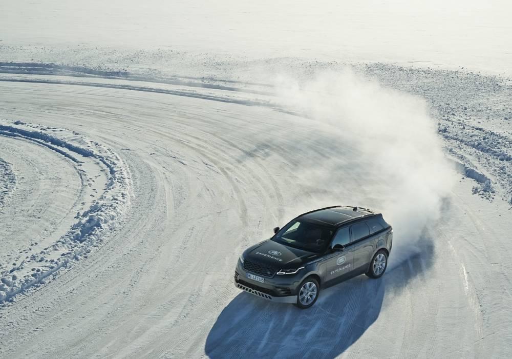 مغامرات قطبية على الجليد مع سيارات جاكوار ولاند روڤر صورة 4