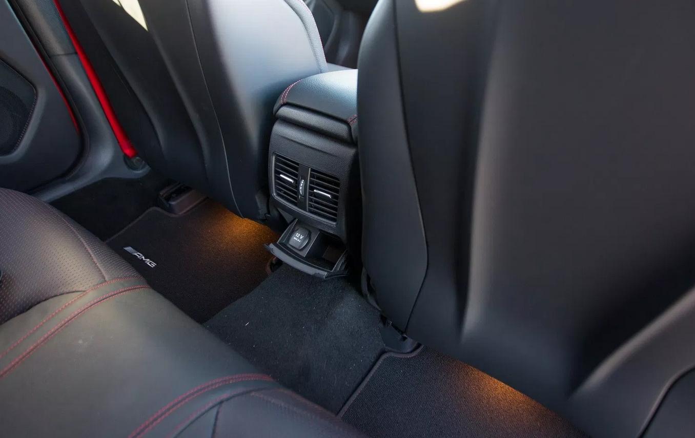 لماذا يوجد نفق بارضية السيارة أمام المقاعد الخلفية؟ %D9%86%D9%81%D9%82%20%D8%A7%D8%B1%D8%B6%D9%8A%D8%A9%20%D8%A7%D9%84%D8%B3%D9%8A%D8%A7%D8%B1%D8%A9