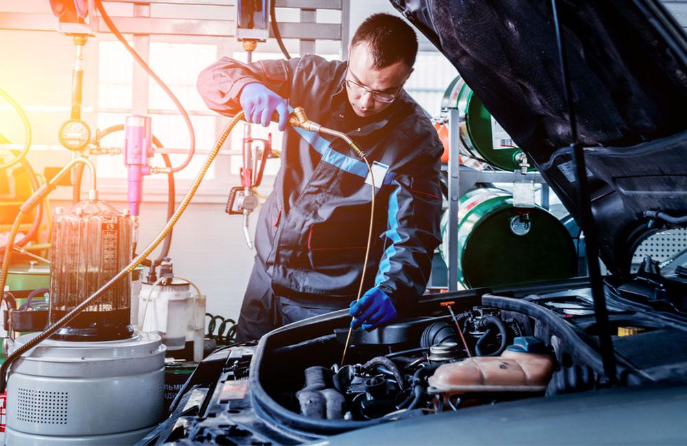 الخطوات.. كيف تجهز سيارتك لاستقبال الصيف Engineoil1