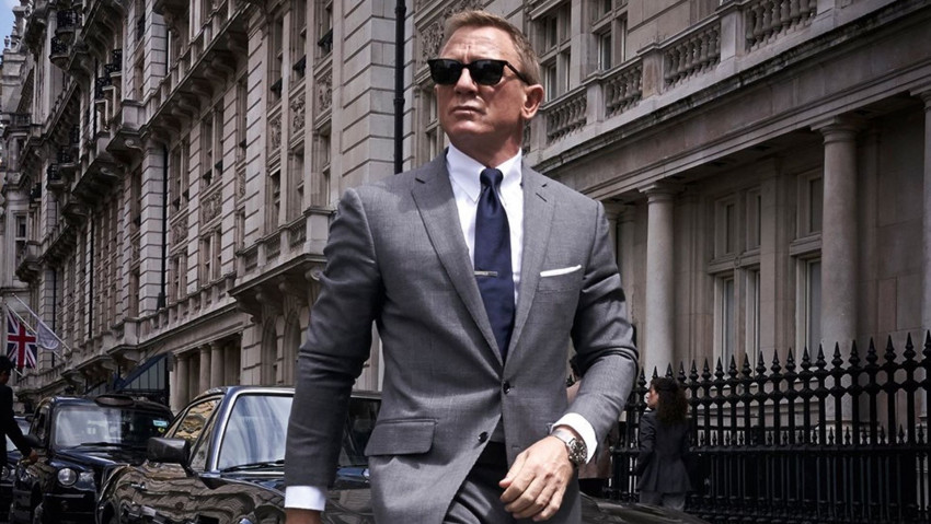 first official photo shared of daniel craig as james bond in bond 25 social 1562844031