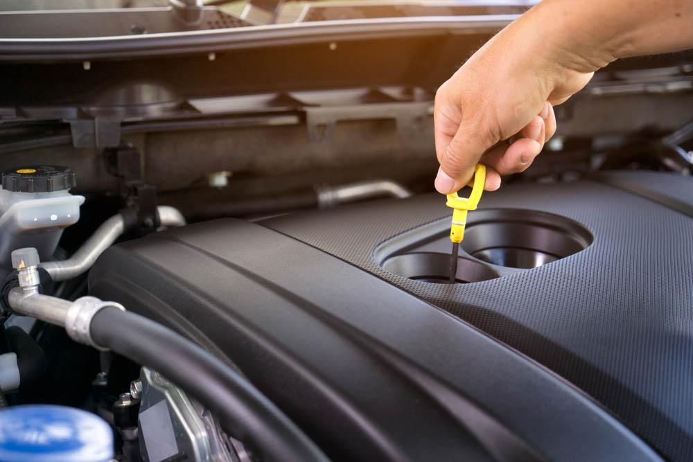 Image result for مقياس عمق الزيت في محرك السيارة
