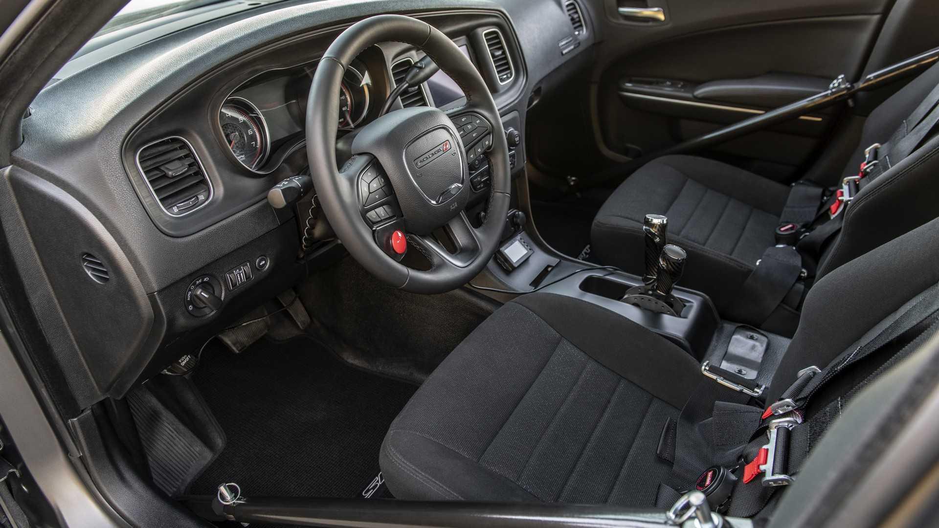 دودج تشارجر معدلة بقوة تضاهي بوجاتي شيرون! SpeedKore-Dodge-Charger-40.jpg